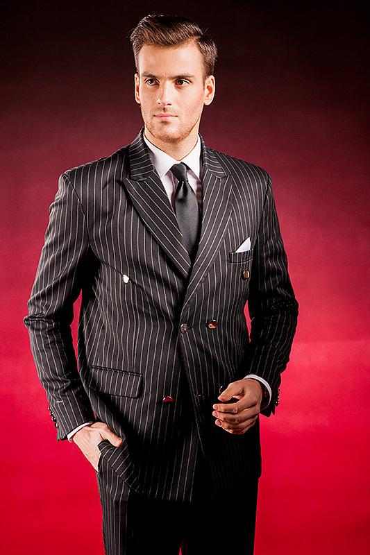 b895ccfa14559 Czarny garnitur męski w białe prążki który uszyjemy specjalnie dla ...