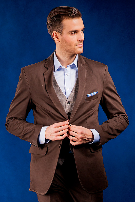 25c07ccbb4ee7 Brązowy garnitur męski który uszyjemy specjalnie dla Ciebie ! Online !